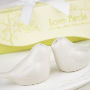 Love Birds Salt and Pepper Shakers Set