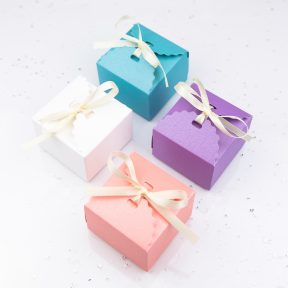 Scallop Edge Favour Box