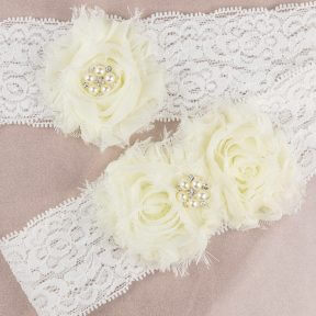 Ivory Vintage Lace Flowers Bridal Garter Set