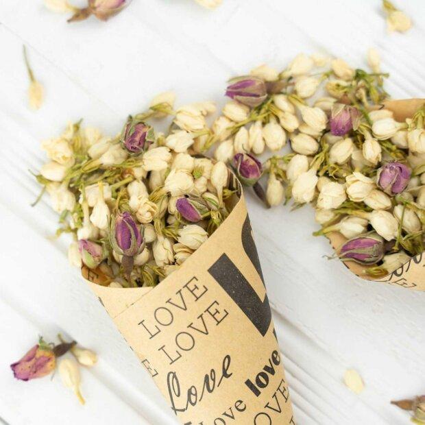 Love Confetti Cones