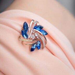 Something Blue Garland Brooch