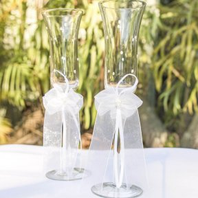 'Pearls' Champagne Wedding Flutes
